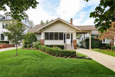 Pleasant Ridge Single Family Home For Sale: 50 Oakdale Blvd