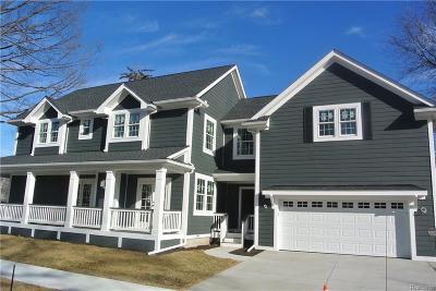 Royal Oak Single Family Home For Sale: 402 E Sunnybrook Dr