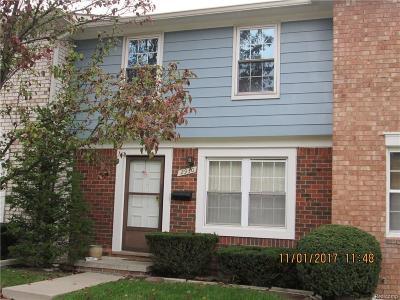 Warren Condo/Townhouse For Sale: 2930 Seaton Circuit N