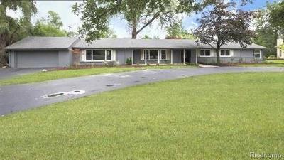 Franklin Single Family Home For Sale: 30540 Rushmore Cir