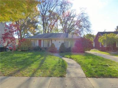 Grosse Pointe Woods Residential Lots & Land Pending: 1121 Hampton Rd