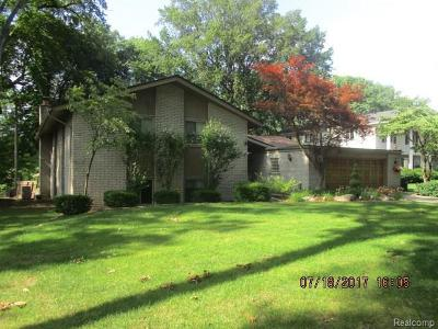 Dearborn Heights Single Family Home For Sale: 23440 Bonair St