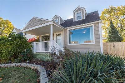 Center Line Single Family Home For Sale: 8294 Coolidge