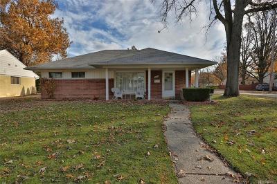 Royal Oak Single Family Home For Sale: 3002 Garden Ave