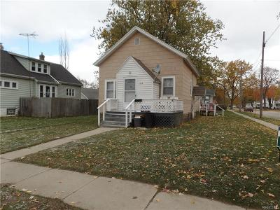 St. Clair Multi Family Home For Sale: 1025 12th St