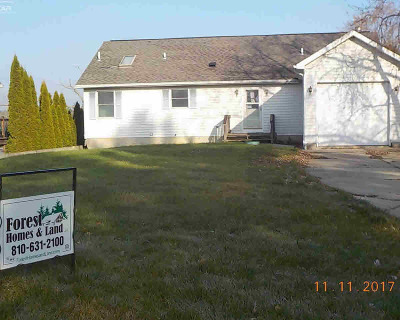 Lapeer Single Family Home For Sale: 4912 Blue Water Dr