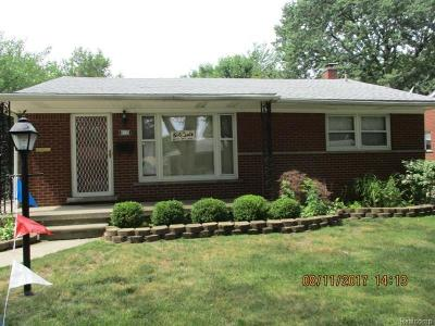 Dearborn Heights Single Family Home For Sale: 8339 N Evangeline St