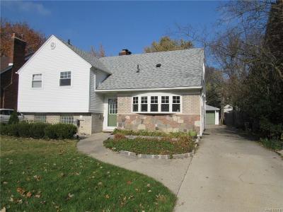 Huntington Woods Single Family Home For Sale: 10784 Elgin Ave