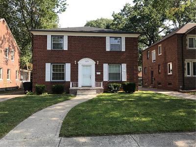 Detroit Single Family Home For Sale: 18296 Warrington Dr