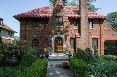Grosse Pointe Park Single Family Home For Sale: 1366 Balfour St