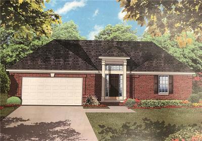 Oakland Single Family Home For Sale: 55809 Sunningdale Dr