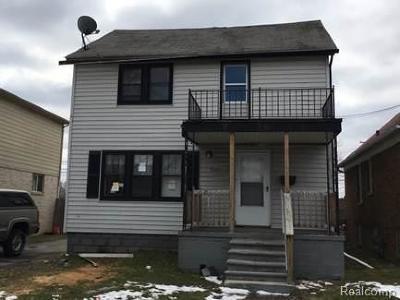 Warren Multi Family Home For Sale: 8032 Stephens Rd