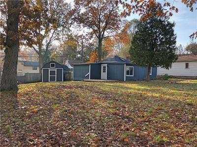 Waterford Single Family Home For Sale: 4009 Mapleleaf Rd
