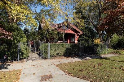 Detroit Single Family Home For Sale: 14719 Riverside Blvd