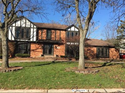 Farmington Hills Single Family Home For Sale: 36600 Almond Circle