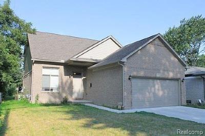 Saint Clair Shores Single Family Home For Sale: 29621 Elmgrove St
