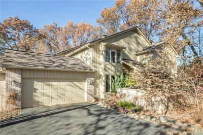 Bloomfield Hills Condo/Townhouse For Sale: 1161 Glenpointe Crt