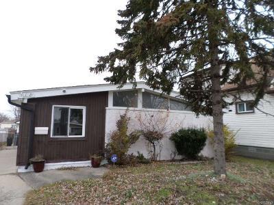 Hazel Park Single Family Home For Sale: 1621 E Harry Ave