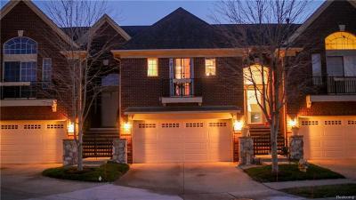 Macomb MI Condo/Townhouse For Sale: $214,900