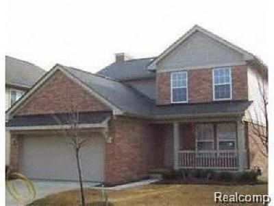 Canton Condo/Townhouse For Sale: 3975 Strathmore Ln