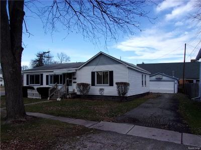 Algonac Single Family Home For Sale: 520 Summer St