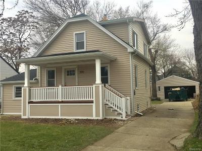 Royal Oak Single Family Home For Sale: 1016 Owana Ave