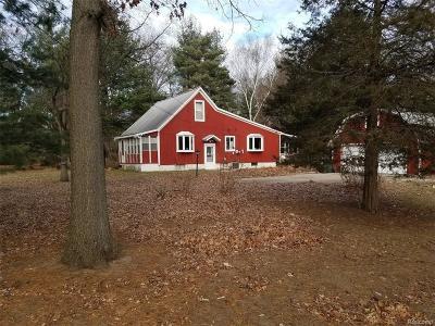Rochester Hills Single Family Home For Sale: 1581 Gravel Ridge Dr