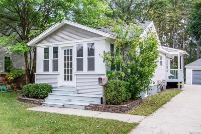 Royal Oak Single Family Home For Sale: 2532 Elizabeth Ave
