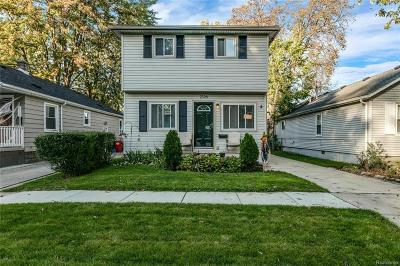 Single Family Home For Sale: 2126 Roslyn Rd