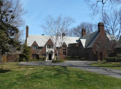 Grosse Pointe, Grosse Pointe Farms, Grosse Pointe Park, Grosse Pointe Shores, Grosse Pointe Woods Single Family Home For Sale: 330 Provencal Rd
