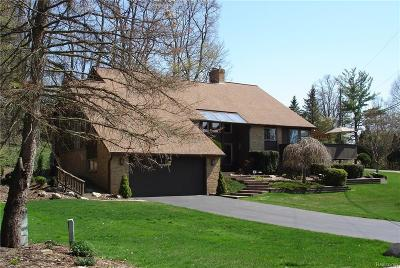 Clarkston Single Family Home For Sale: 8006 Fawn Valley Dr