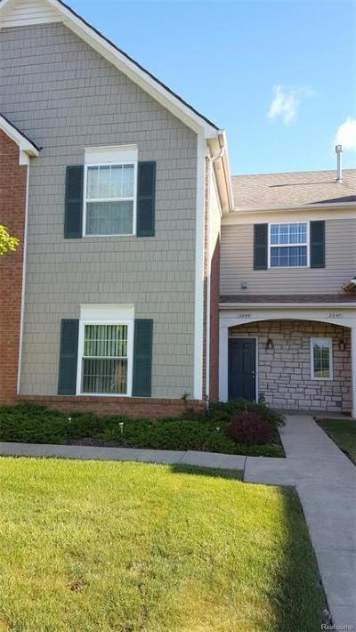 Shelby Twp Condo/Townhouse For Sale: 2239 Marissa Way