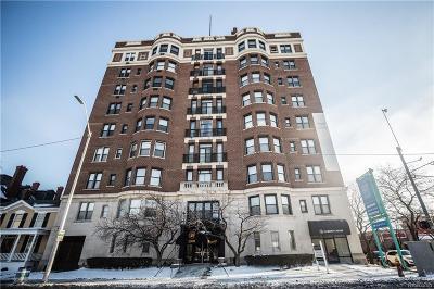 Detroit Condo/Townhouse For Sale: 2900 E Jefferson Unit C1 Ave