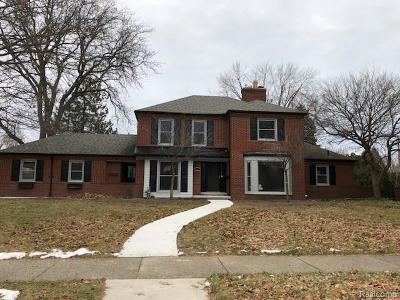 Grosse Pointe Woods MI Single Family Home For Sale: $529,000