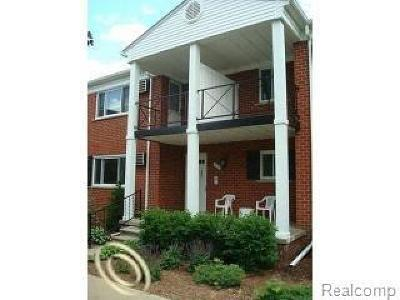 Rochester Hills Condo/Townhouse For Sale: 1099 Tienken Crt