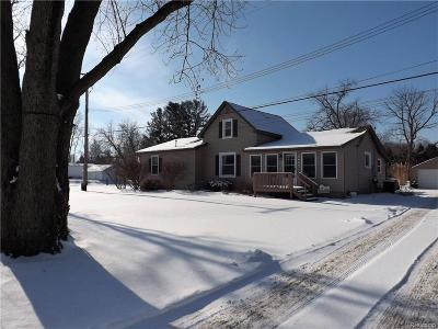 Clarkston Single Family Home For Sale: 220 S Baldwin Rd