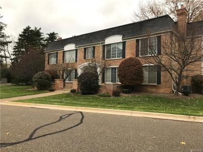 Bloomfield Hills Condo/Townhouse For Sale: 150 E Long Lake Rd