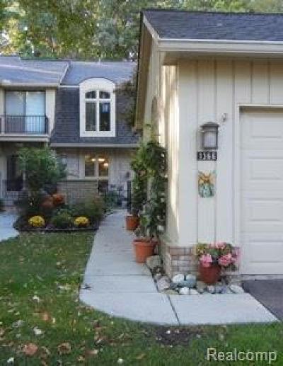 Bloomfield Hills Condo/Townhouse For Sale: 1366 Bramblebush Run