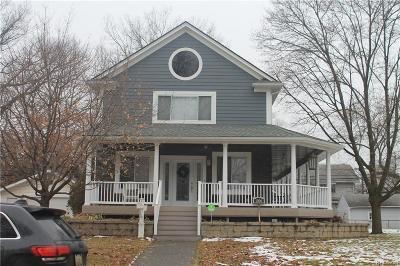 Royal Oak Single Family Home For Sale: 1006 Mohawk Ave