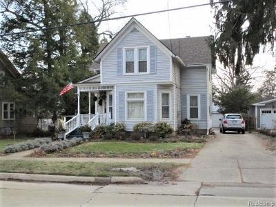 Farmington Single Family Home For Sale: 33613 Shiawassee St