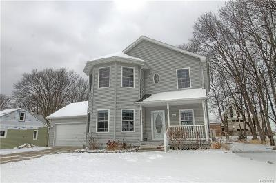 Harrison Twp Single Family Home For Sale: 26123 Clear St