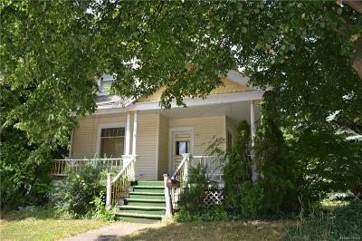 Lapeer Single Family Home For Sale: 38 S Main St