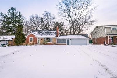 Royal Oak Single Family Home For Sale: 2308 Vinsetta Blvd