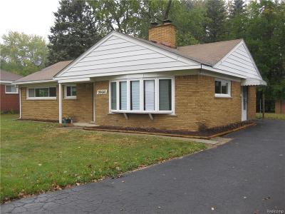 Southfield Single Family Home For Sale: 26610 Emmett St