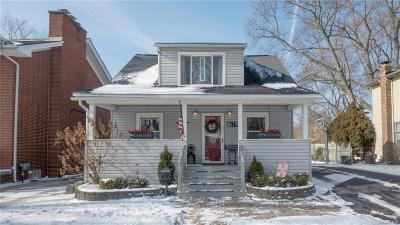 Plymouth Single Family Home For Sale: 679 Adams St