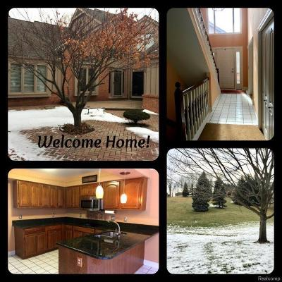 Farmington Hills Condo/Townhouse For Sale: 37668 Russett