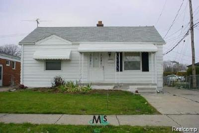 Eastpointe Single Family Home For Sale: 23839 Lambrecht Ave