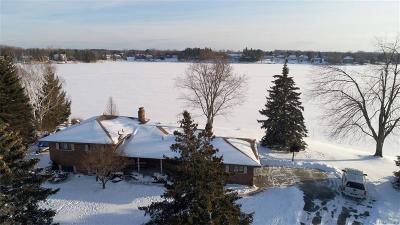 Lapeer Single Family Home For Sale: 2896 Sunset Cir