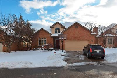 Dearborn Single Family Home For Sale: 9 Turnberry Ln
