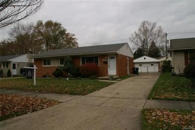Westland Single Family Home For Sale: 33002 Hampshire St